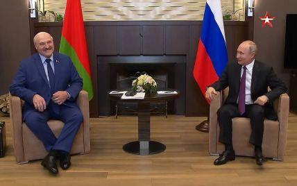 """Лукашенко заговорил о """"таяние"""" государственного суверенитета Украины"""