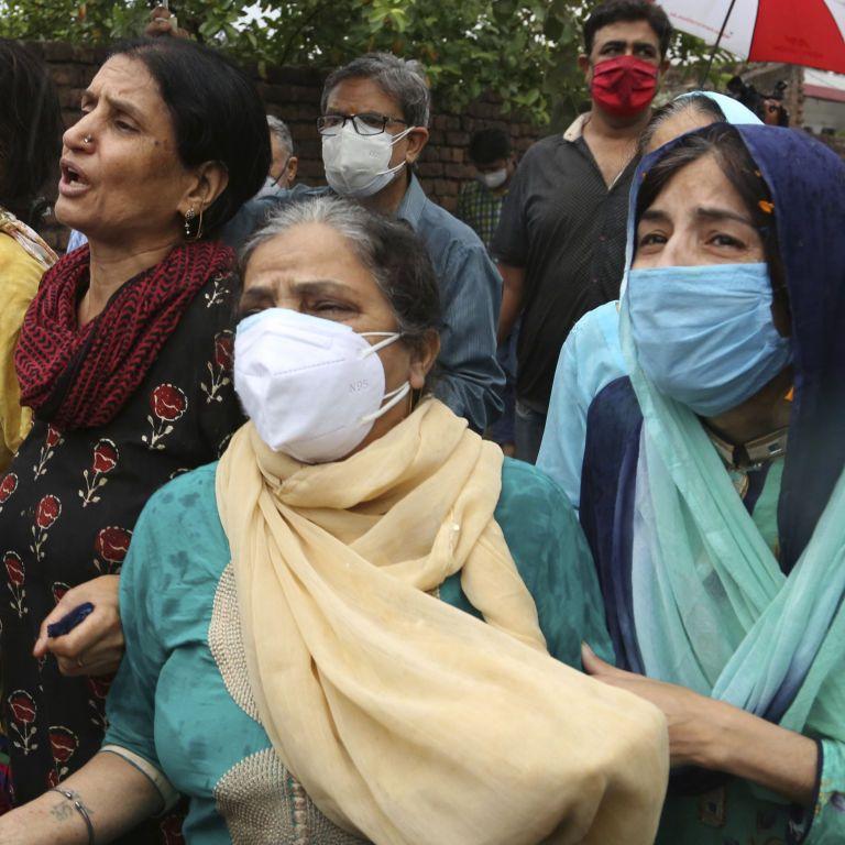 """В Індії зростає кількість хворих на """"чорну плісняву"""", померли вже понад дві тисячі індійців"""