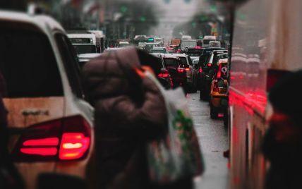 Киев в начале недели постигли серьезные пробки: где не проехать