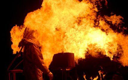 В Сумах вспыхнул масштабный пожар: видео