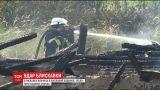 На Киевщине молния попала во 2-этажный дом и вызвала пожар