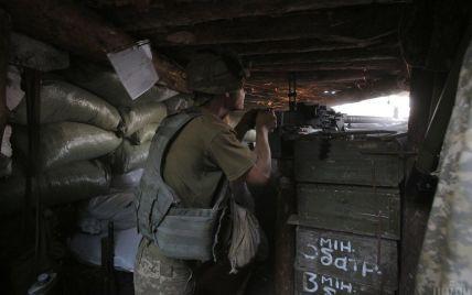 Обстріли бойовиків не вщухають: один військовий загинув, а іншийотримав поранення