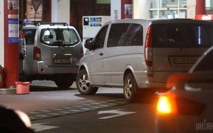 В КГГА рассказали, сколько миллионов недополучил столичный бюджет из-за незаконных газовых заправок
