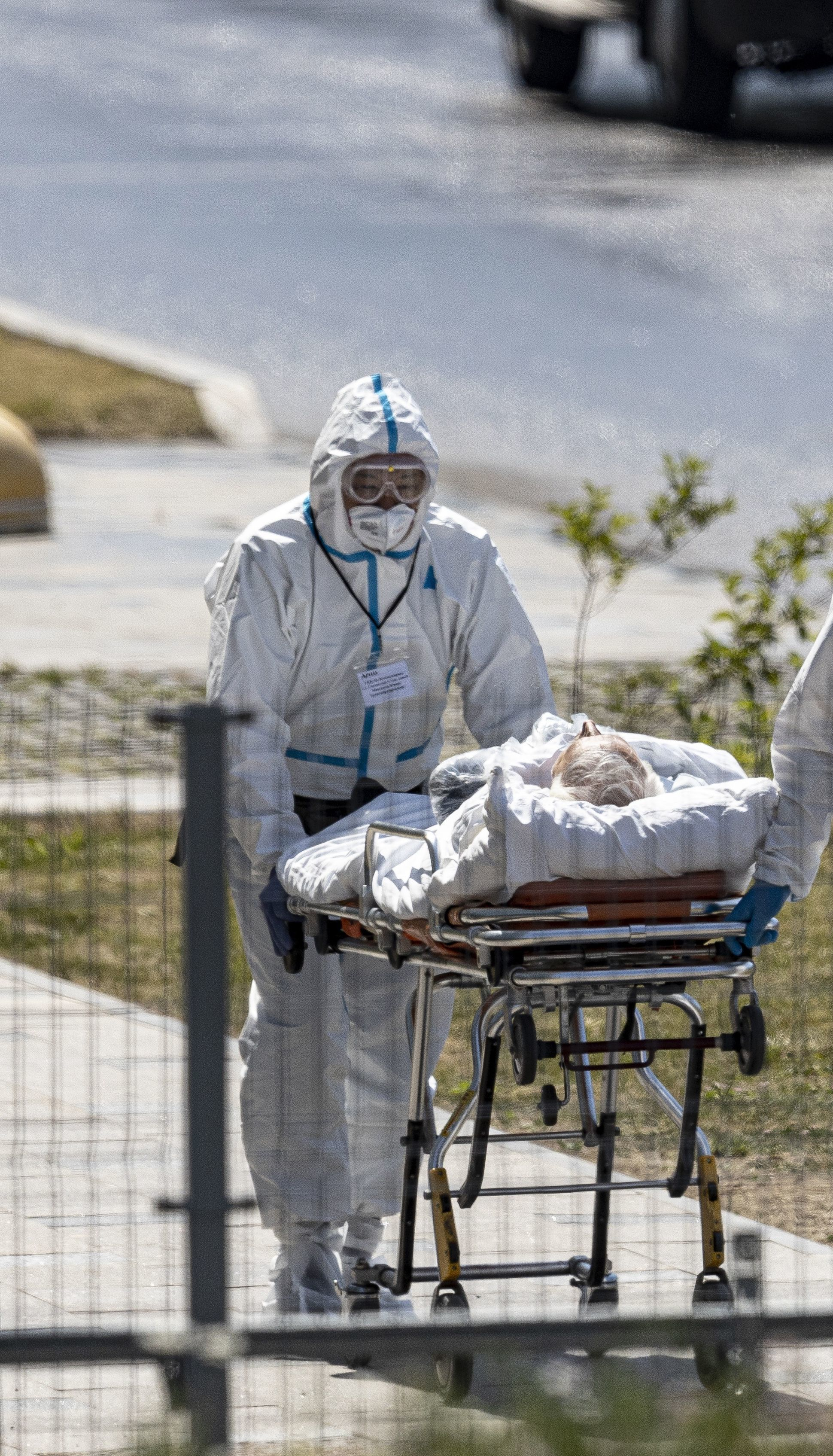 В РФ пятый день подряд фиксируют рекордную смертность от COVID