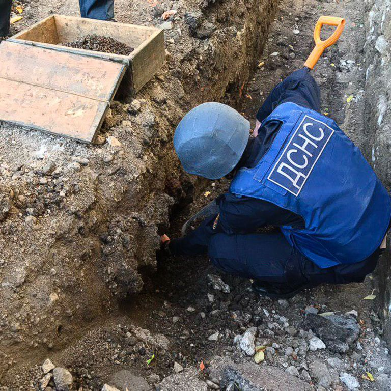 У центрі міста у Рівненській області виявили 50-кілограмову бомбу