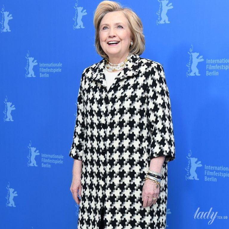В красивом пальто и потертых сапогах: Хиллари Клинтон на фотоколле Берлинского кинофестиваля