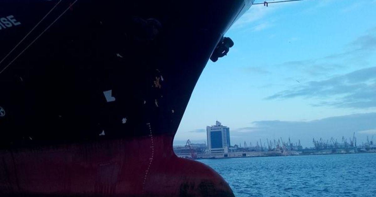 """""""Гуманитарка"""" из Канады прибыла в Одессу / © facebook.com/Ivar Mikulas"""