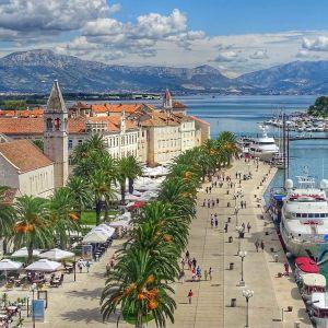 Украинцы могут путешествовать в Хорватию: что нужно для поездки