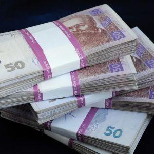 Вимагав 4 млн грн за вплив на службовців АМКУ – правоохоронці затримали хабарника