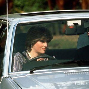 Его не видели 20 лет: автомобиль принцессы Дианы выставят на аукцион