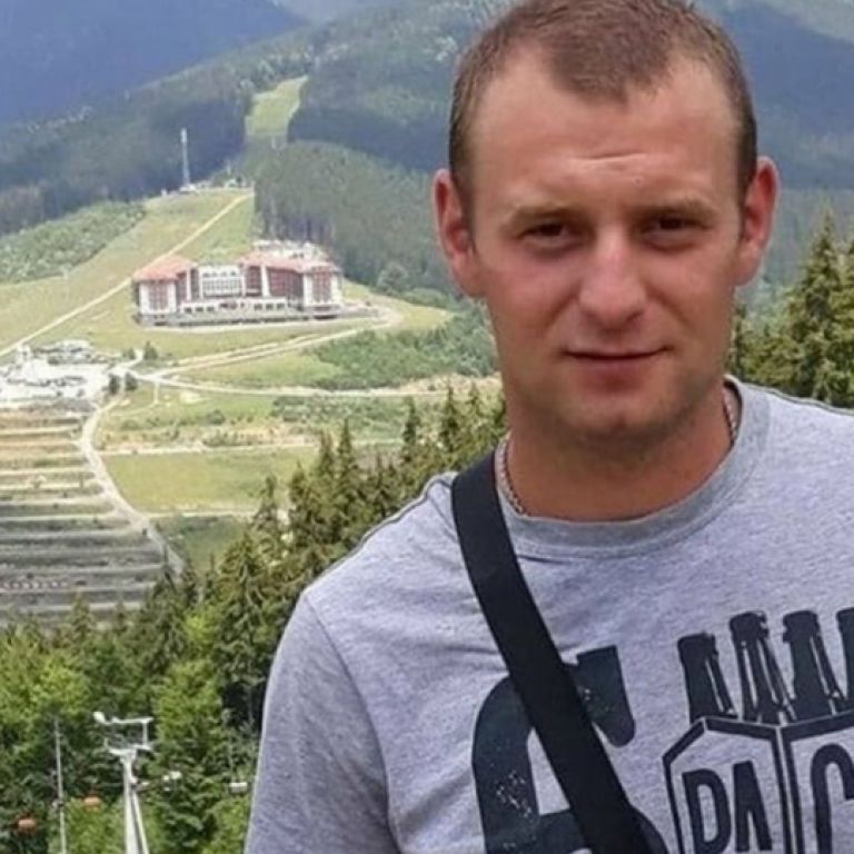 Знепритомнів та впав на траву: в Тернопільській області під час футбольного матчу помер 29-річний чоловік