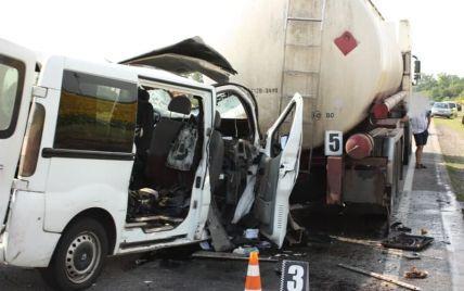 Совершил ДТП с шестью погибшими и двумя травмированными: суд наказал водителя микроавтобуса в Кировоградской области