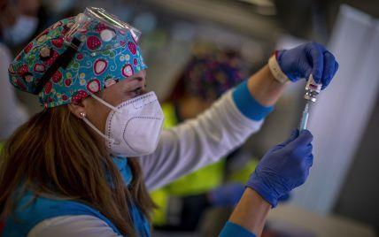 Американцы должны получать по $100 за COVID-вакцинацию: заявление Байдена
