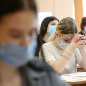 Школярам з найвищими балами ЗНО платитимуть премію: названо суму