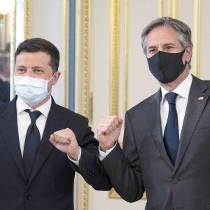 Зеленский пригласил Байдена в Украину: Блинкен ответил на предложение