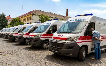 На Львівщині не розминулися вантажівка та маршрутка: постраждало 12 людей
