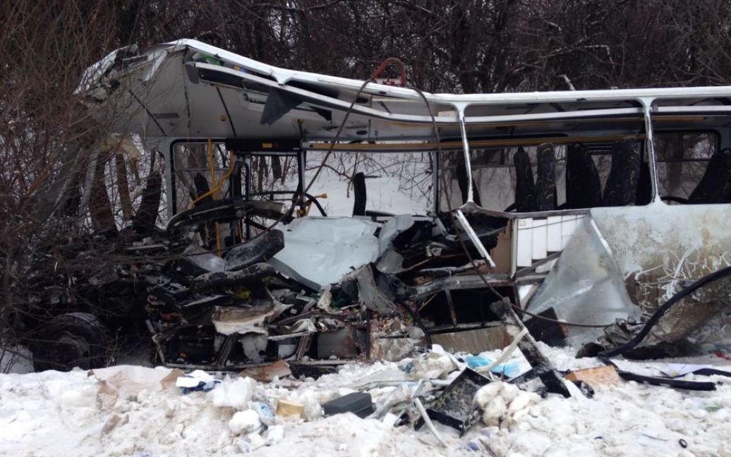 Перші фото кривавої ДТП на Донбасі / Павло Мяснов, ТСН / © ТСН.ua