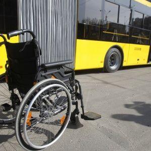 Пила, гуляла и не водила к врачам: под Днепром мать едва не довела своего сына до инвалидности