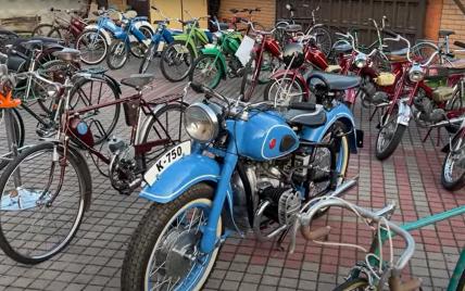 В Україні виявили унікальну колекцію мото- та велотехніки: відео