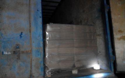 На Харьковщине пограничники задержали КамАЗы с десятками тонн контрабандного сыра для РФ