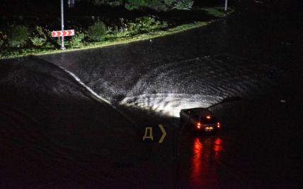 Такого не было з 2013 года: ужасный ливень ночью атаковал Одессу