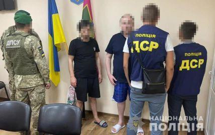 В Харьковской области в подсолнухах поймали криминальных авторитетов