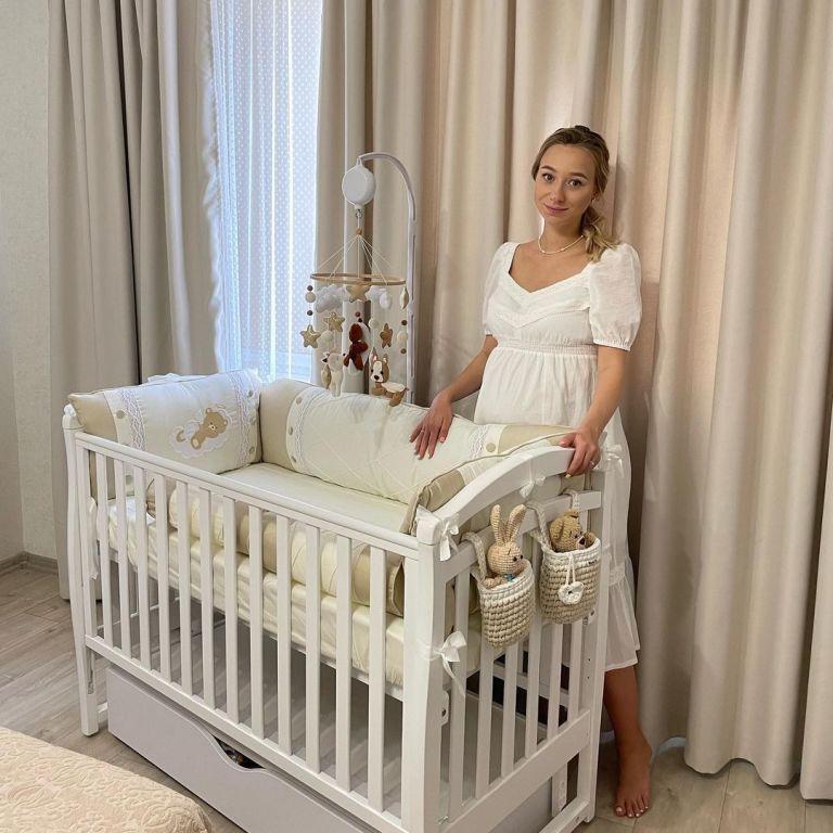 Жена Виктора Павлика рассекретила, сколько набрала кило во время беременности и уже сбросила