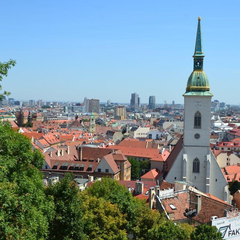 Словакия открылась для украинских туристов, но есть условия: детали