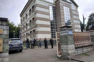 У Білорусі невідомі з болгарками напали на посольство Лівії: дипломата відбила охорона