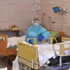 """""""Нет инфекционистов, нет бригад терапии"""": в Харькове железнодорожная больница оказалась не готовой к приему пациентов с COVID-19"""
