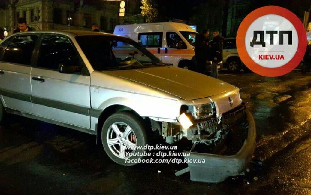 На бульваре Шевченко произошло ДТП. / © facebook.com/dtp.kiev.ua
