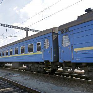 Лежав на коліях: у Львівській області пасажирський потяг на смерть збив 23-річного хлопця