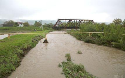 Рятувальники попереджають про підняття рівня води в річках на заході