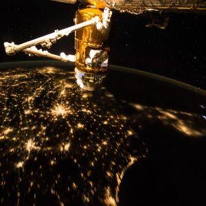 У Великій Британії заявили про загрозу знищення супутників у космосі з боку Росії і Китаю