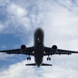 Крупнейшая греческая авиакомпания приостанавливает полеты в Украину