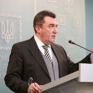 В РНБО закликали суддів КСУ піти у відставку та пригрозили їм покаранням