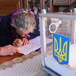 У двох областях повідомили про незаконне підвезення виборців