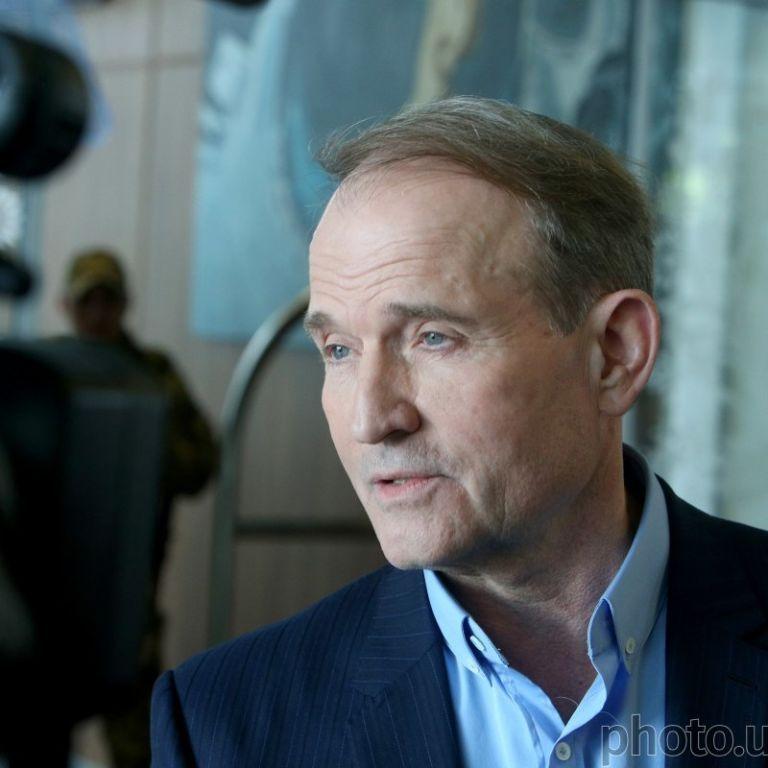 Медведчук приїхав до суду, де йому обиратимуть запобіжний захід