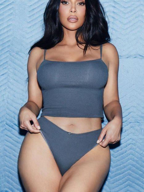 Ким Кардашьян в рекламе SKIMS / © Instagram Ким Кардашьян