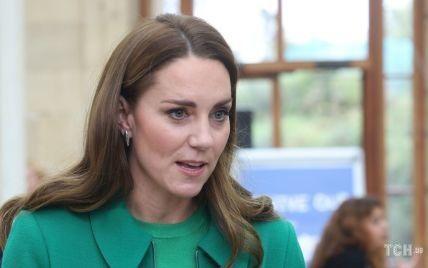В топі Zara і старому пальті: герцогиня Кейт вийшла в світ з принцом Вільямом