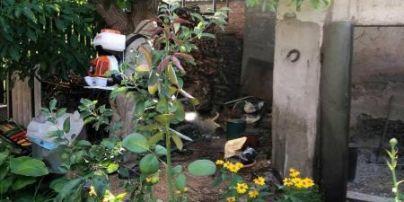 У Кременчуці чоловік знайшов на своєму горищі ємності із ртуттю (фото)