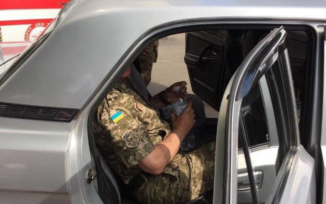 Военный комиссар Одесской области и сотрудник комиссариата требовали от двух призывников 1700 долларов США за уклонение от мобилизации / © Пресс-служба СБУ