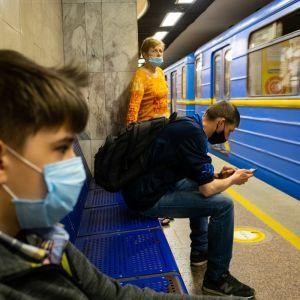 У Києві 4G-інтернет запустили ще на шести станціях метро