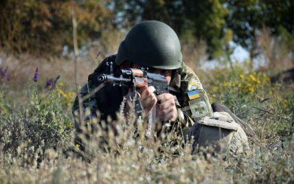 Боевики не прекращают обстрелы позиций ООС: один военный погиб, один — ранен