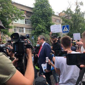 """Геращенко: """"Смерть волонтера Кучапина не расследуют как убийство"""""""