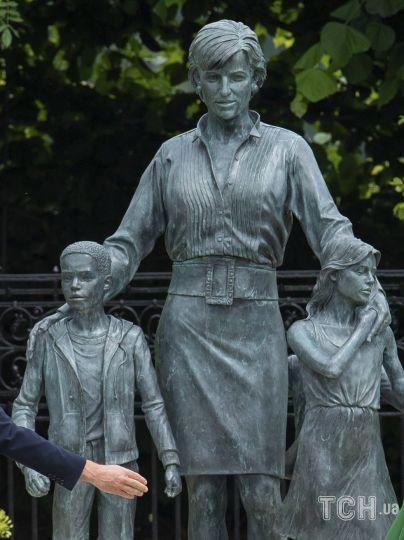Статуя принцеси Діани / © Associated Press