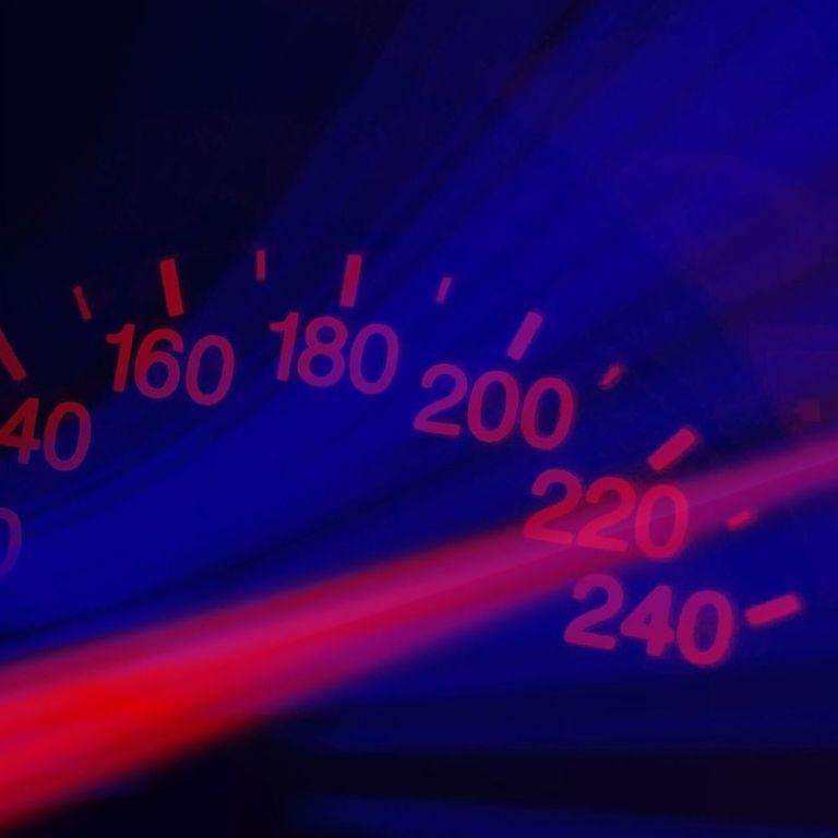 Во Франции водитель разогнался до 249 км/ч, чтобы не получить штраф