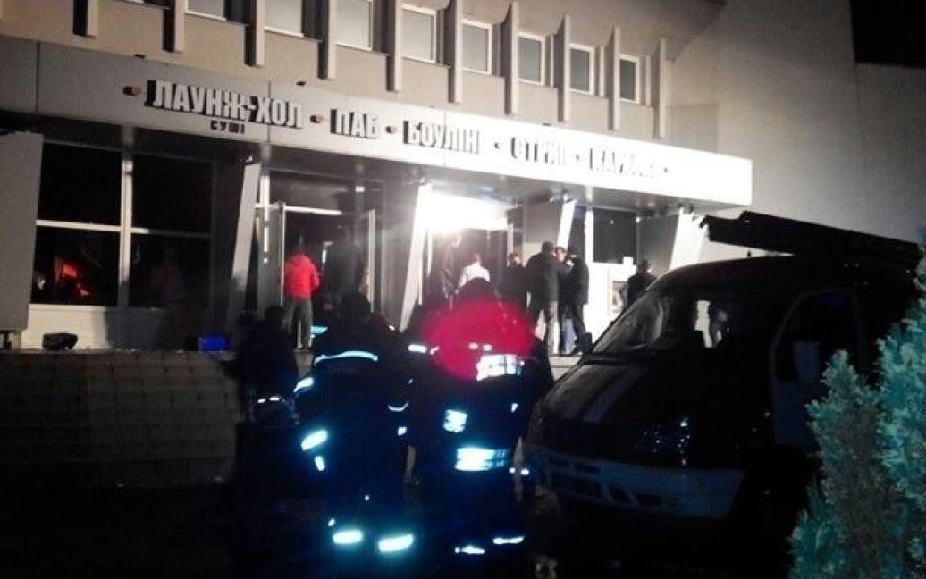 Из клуба эвакуировали 250 человек / © ГСЧС во Львовской области