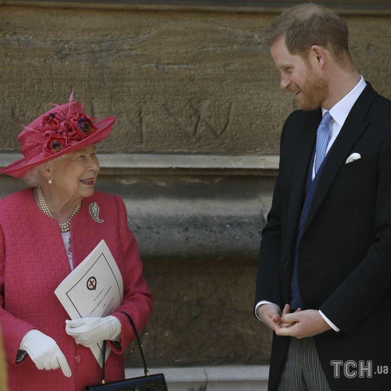 Як відреагувала Єлизавета II: принц Гаррі розповів бабусі, що пише книжку