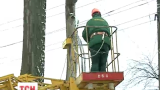 Через буревій на заході України залишаються без світла 32 населених пункти